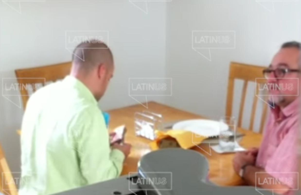 Foto de Martín López Obrador en el video donde recibe dinero