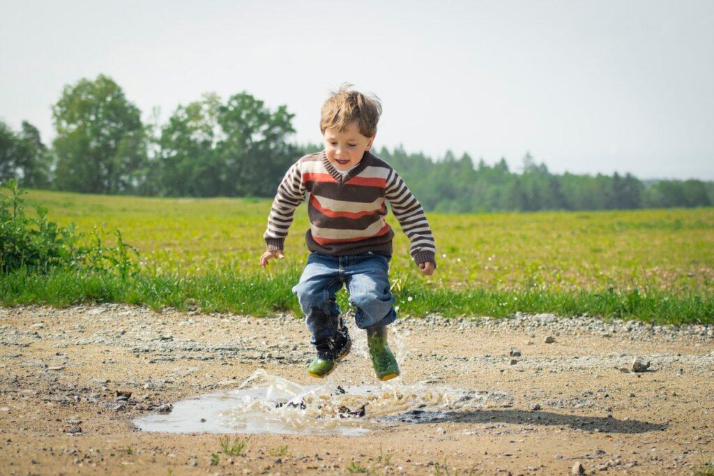 Que tu hijo sea distraído no significa que tenga TDAH: consejos para reconocerlo