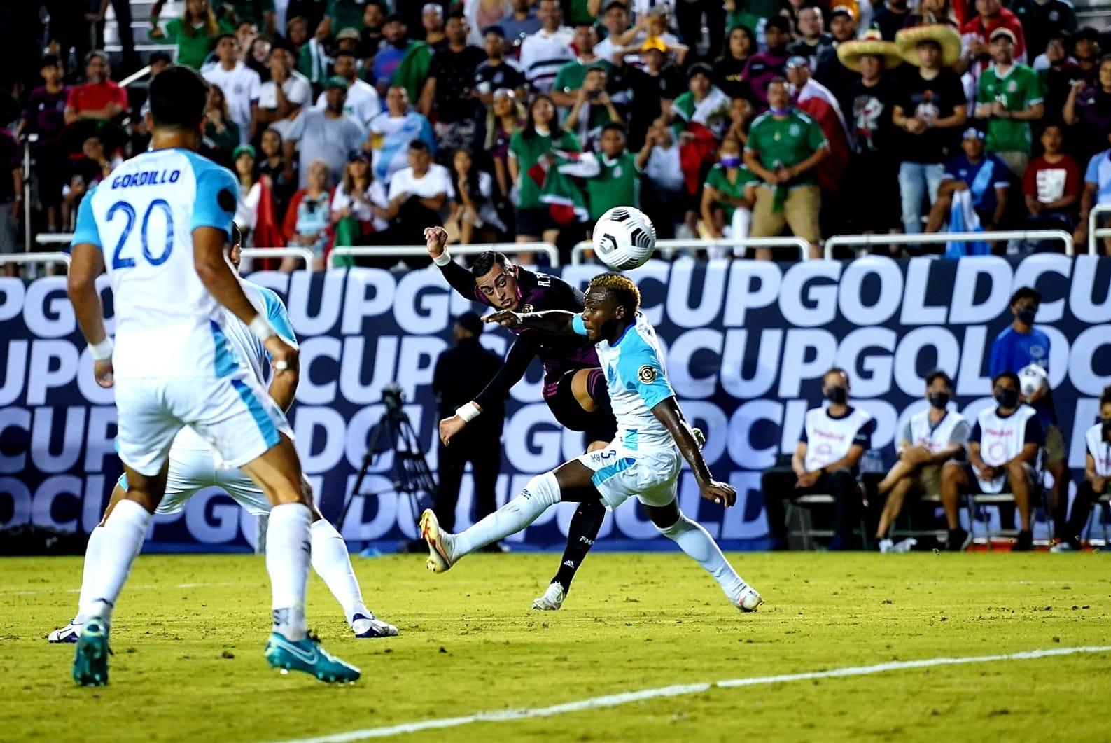 Rogelio Funes Mori con México en la Copa Oro 2021