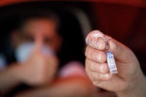 Ecatepec aplica vacuna contra Covid-19 a los de 18 a 29 años