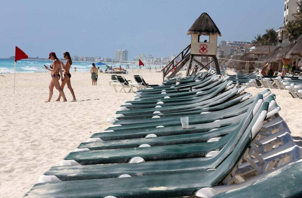 México casi triplica la llegada de turistas extranjeros en mayo pero sigue debajo de 2019