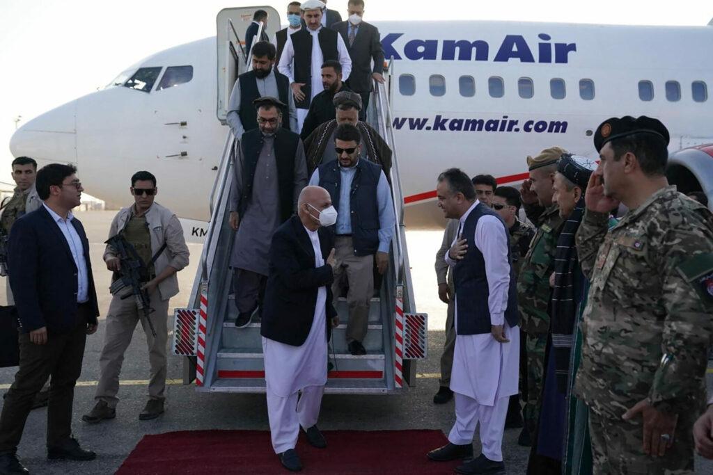 El expresidente afgano, en conversaciones para regresar al país
