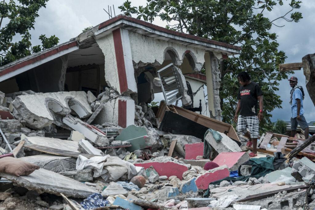 Muertes en Haití llegan a 1,941 luego de tres días del terremoto