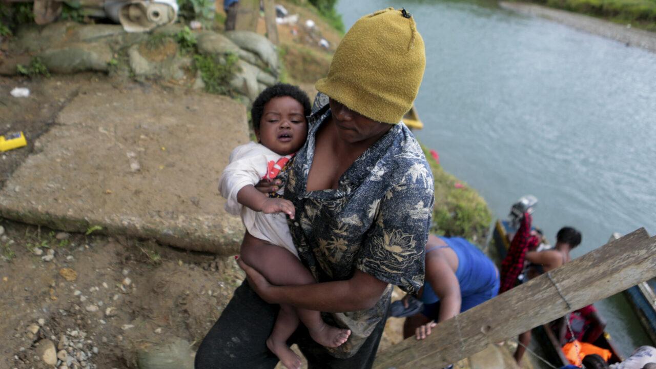 Panamá busca poner controles para beneficiar a los migrantes indocumentados