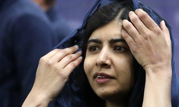 """Malala Yousafzai está """"profundamente preocupada"""" por la toma de control de los talibanes en Afganistán"""