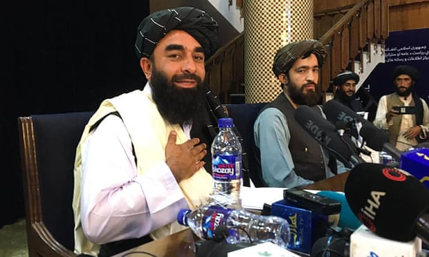 Facebook no, Twitter sí: ¿qué tecnológicas permiten que publiquen los talibanes?