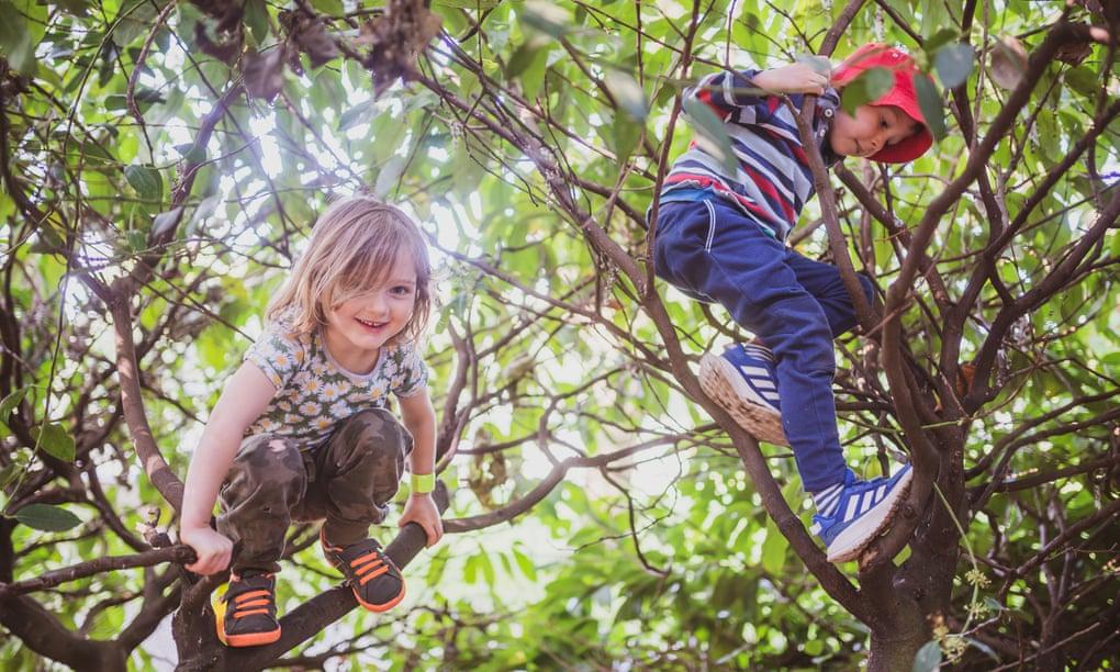 ¡Déjenlos ser niños! ¿Es la crianza en libertad la clave para unos niños más sanos y felices?