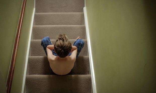 Aumenta el número de niños británicos descontentos con sus vidas
