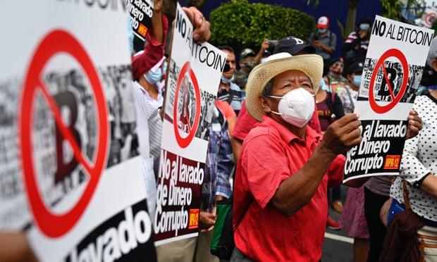 Crece el escepticismo en El Salvador sobre la apuesta del bitcoin
