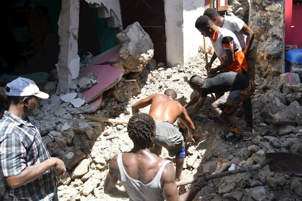 Terremoto en Haití suma 724 muertes