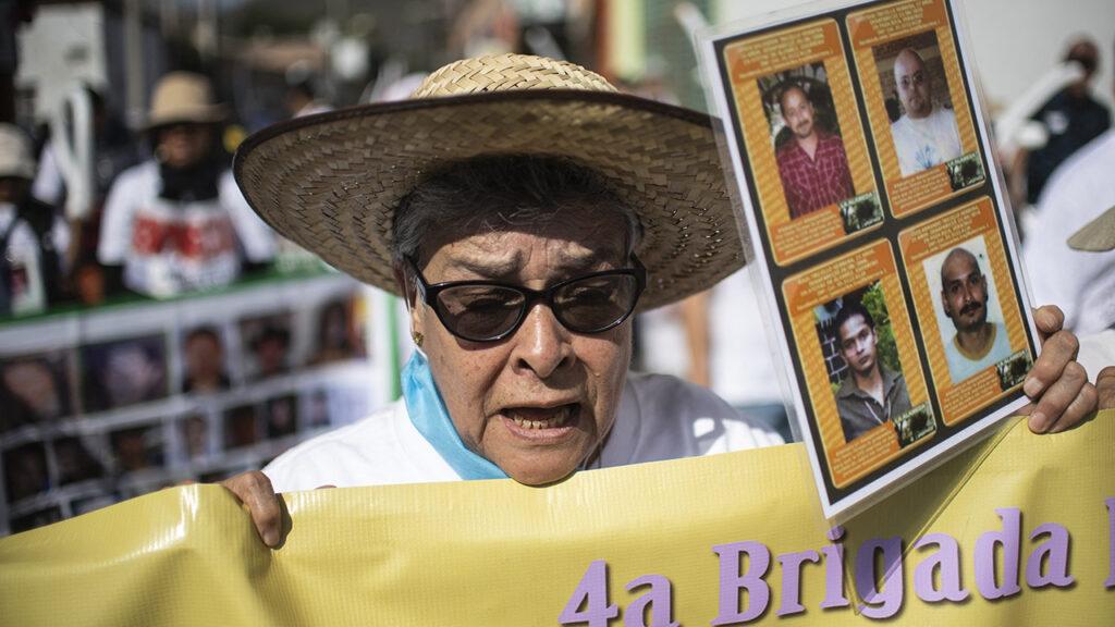 María Herrera busca a sus 4 hijos desaparecidos en Guerrero y Veracruz