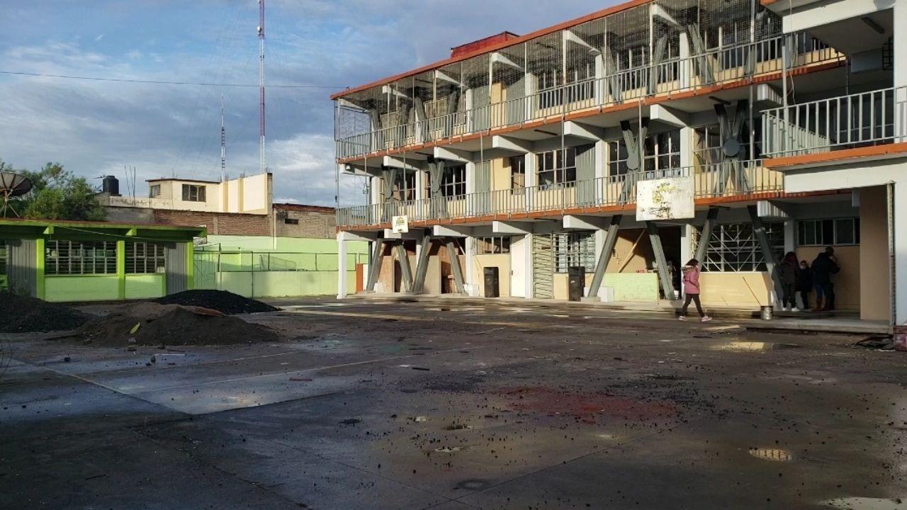 Falta de agua y daños por el sismo del 19-S frenan regreso a clases en escuela de Neza