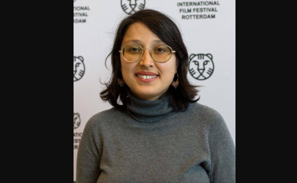 Directora afgana ganadora en Cannes intenta escapar de Kabul