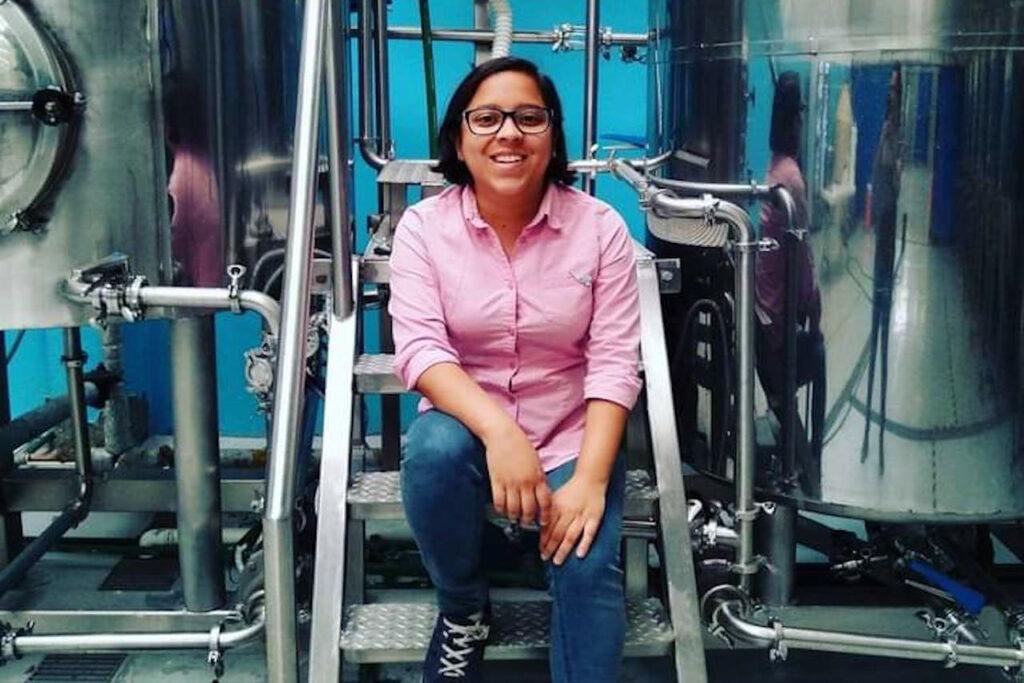 Carolina Aragón, la 'adelita' que impulsa a las mujeres en la industria cervecera
