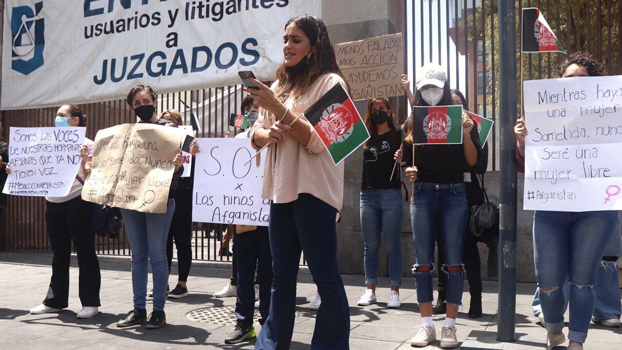 Afganos en la CDMX piden ayuda para refugiar a sus familias en México