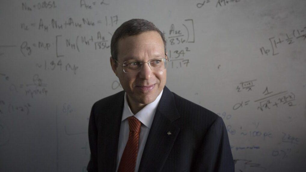 El físico de Harvard que busca inteligencia extraterrestre y unir a la humanidad