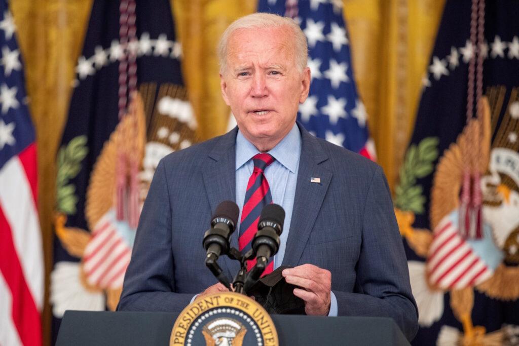 Biden asume responsabilidad por maltrato a migrantes en frontera con México