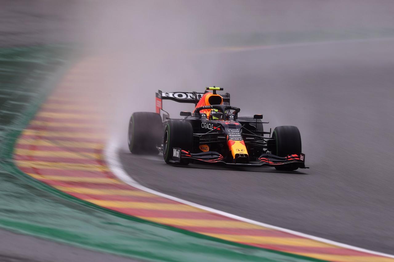'Checo' Pérez se estrella y queda fuera del Gran Premio de Bélgica