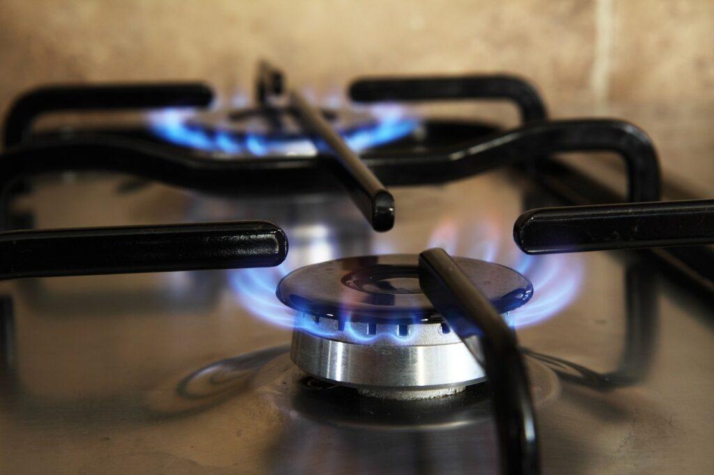 AMLO plantea instalar redes de gas natural en colonias