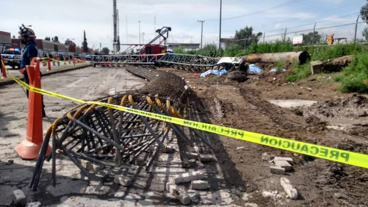 5 trabajadores mueren en Ecatepec tras desplome de grúa