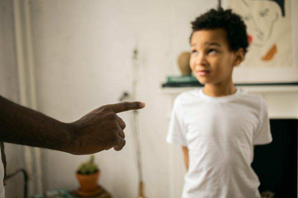 ¿Cómo establecer límites a las hijas e hijos? Aquí una guía para hacerlo