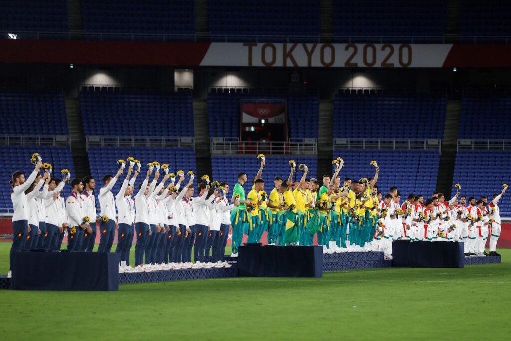 Fotogalería: México recibe la medalla de bronce en futbol