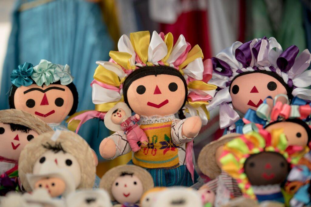 Las muñecas Lele y Dönxu, sustento de artesanos y Patrimonio de Querétaro