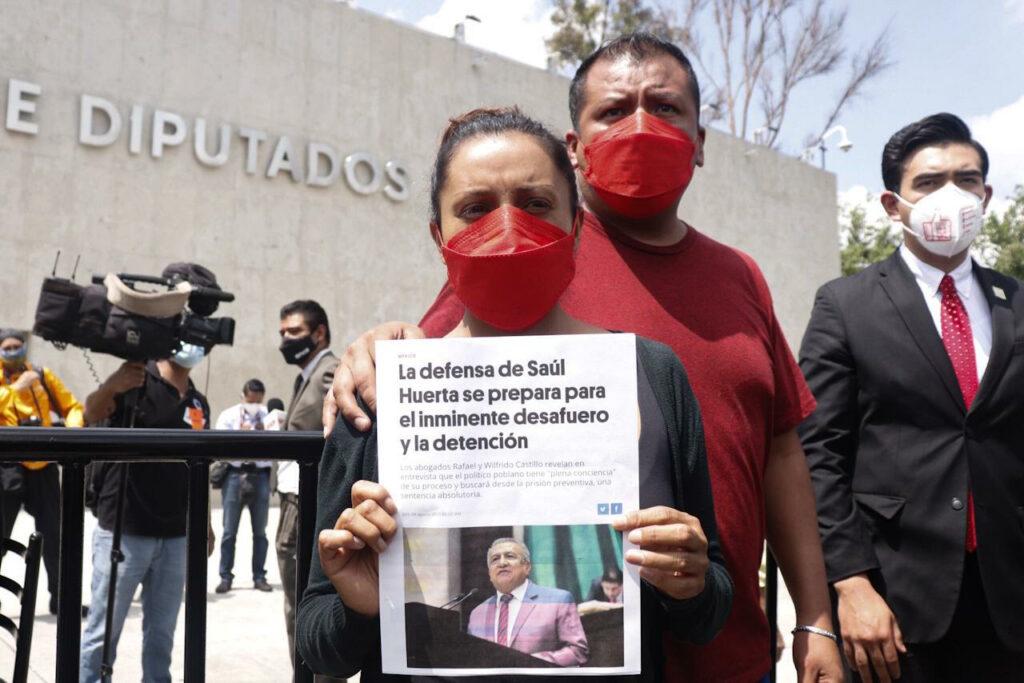 Padres de víctima de Saúl Huerta piden exponer su caso en discusión de desafuero