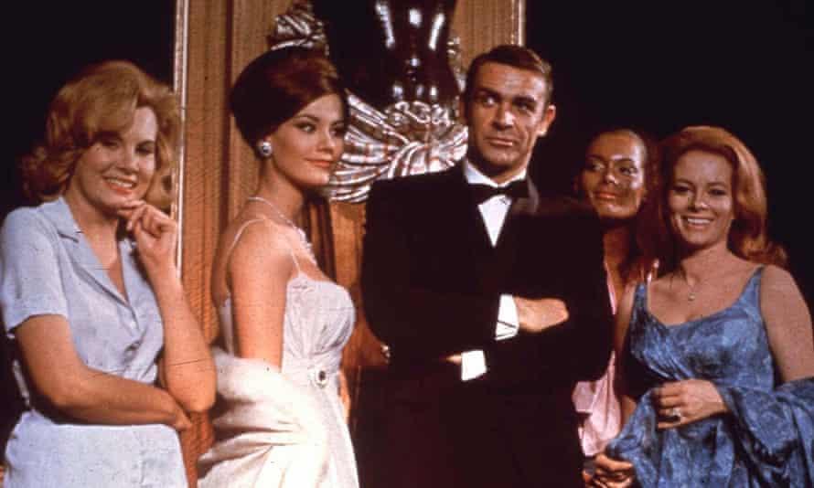 James Bond fue 'básicamente' un violador en las primeras películas, dice el director de No Time to Die
