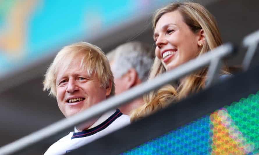 Boris Johnson admite que tiene seis hijos