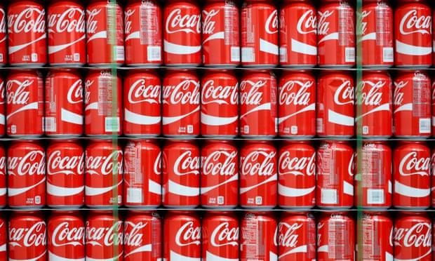 La cadena de suministro de Coca-Cola está bajo presión por escasez de latas