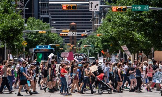 Entra en vigor en Texas la ley de aborto más extrema de EU