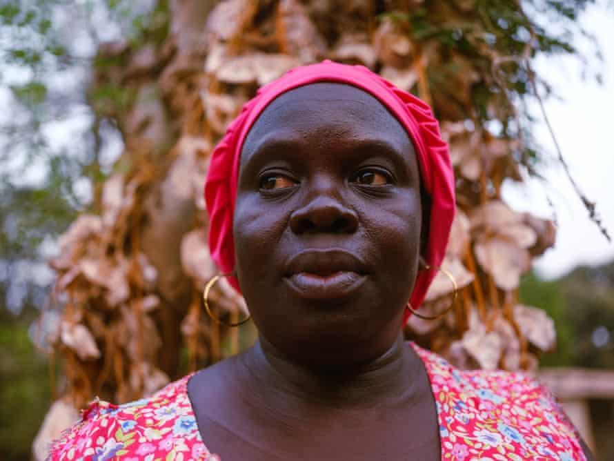 'El ecofeminismo es una cuestión de respeto': la activista que trabaja para revolucionar la agricultura en África occidental
