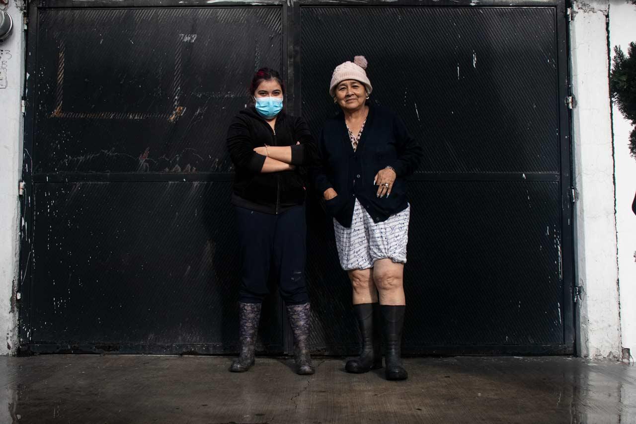 'El agua nos llega hasta la rodilla': Familias viven en casas inundadas por lluvias en Ecatepec