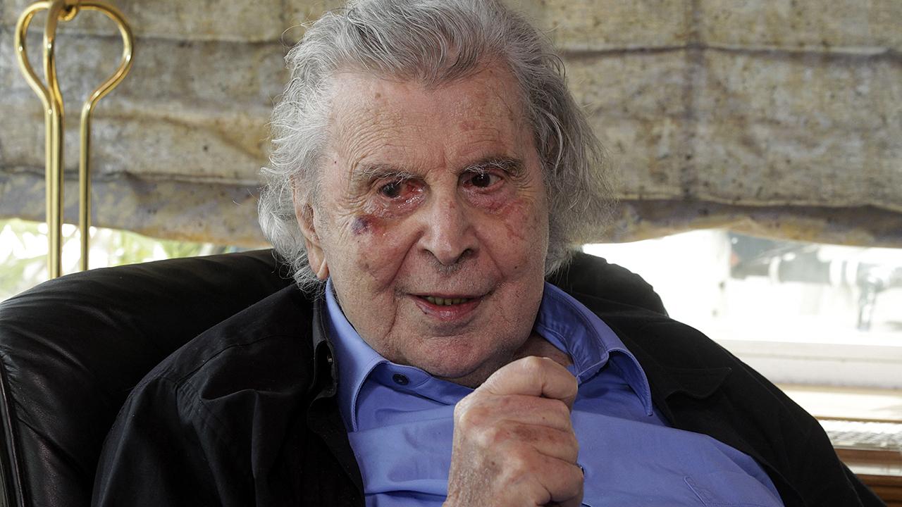 Murió el compositor griego Mikis Theodorakis, célebre por 'Zorba el griego'