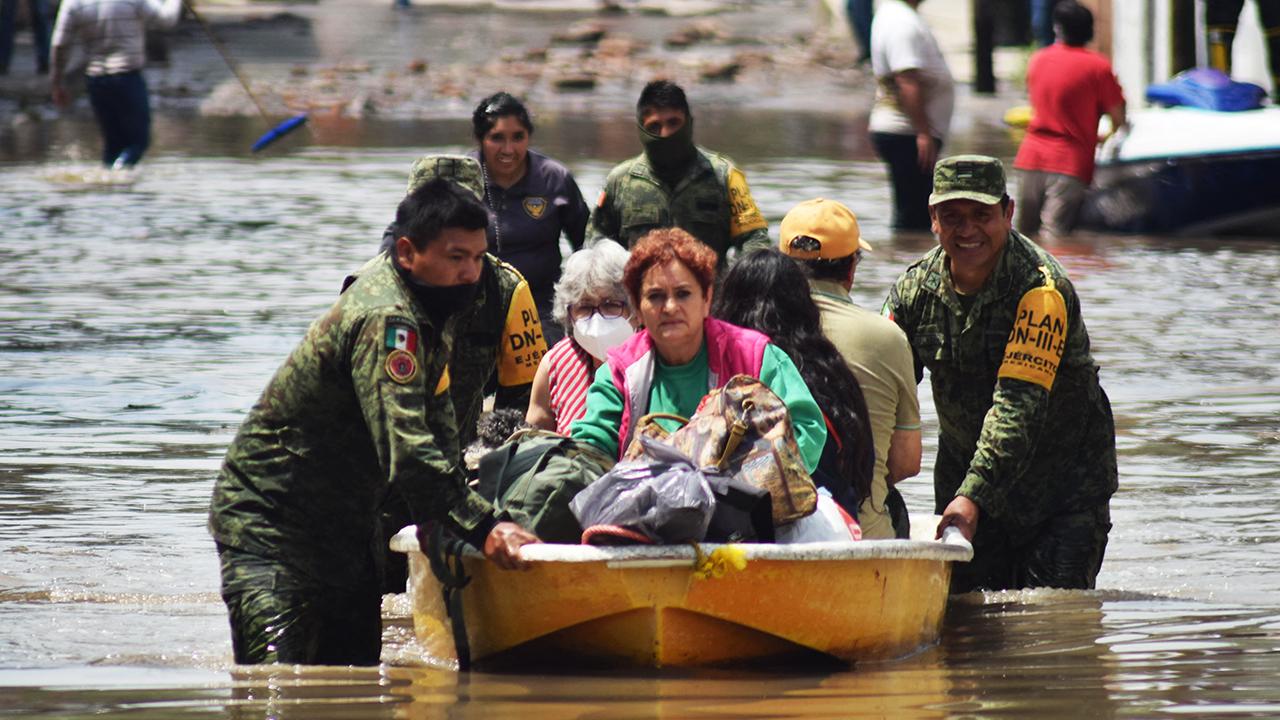 Tula dará 1,200 pesos a damnificados, y Tlalnepantla les entrega 5,000