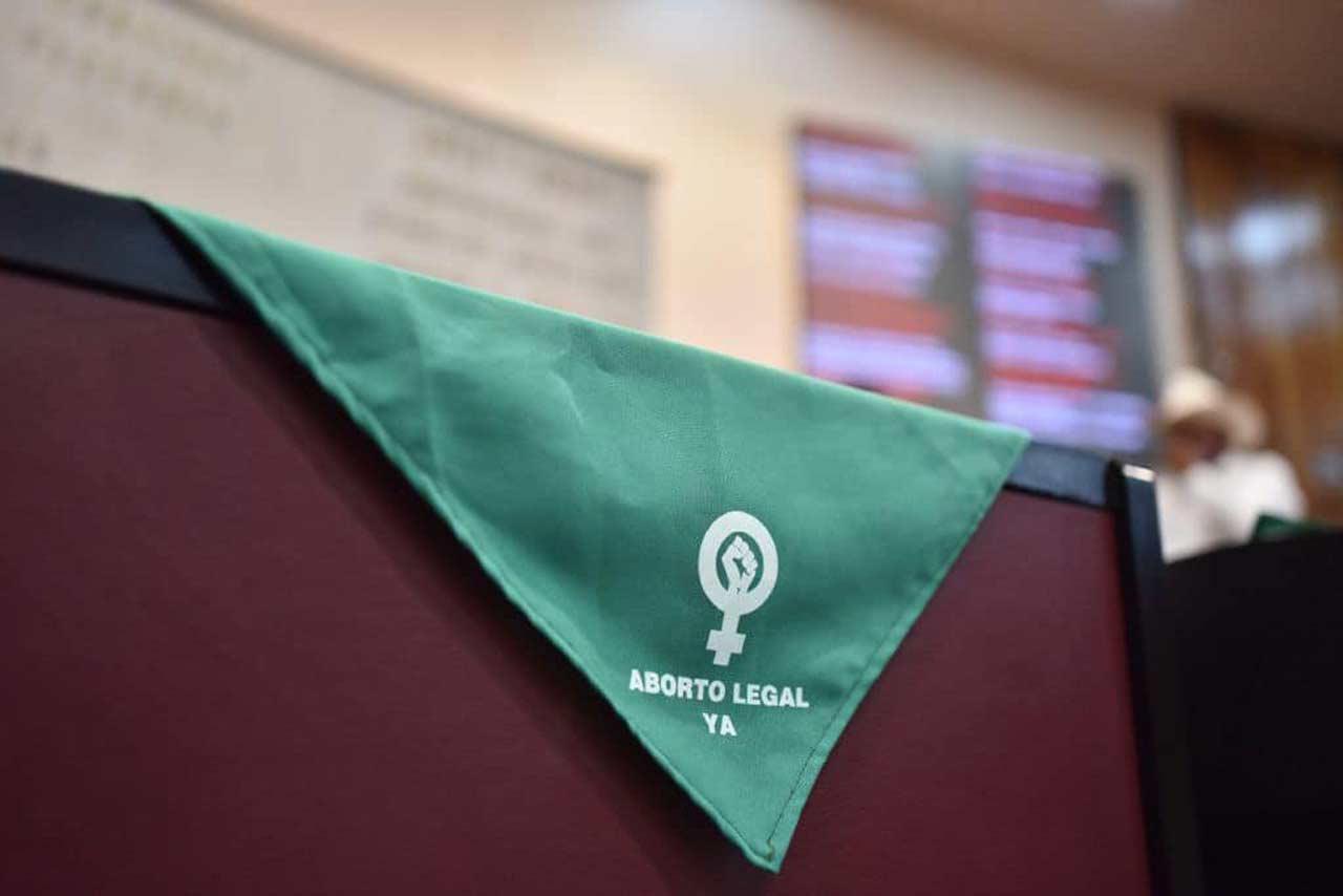 Poder Judicial asesorará y defenderá a mujeres presas por abortar: Arturo Zaldívar