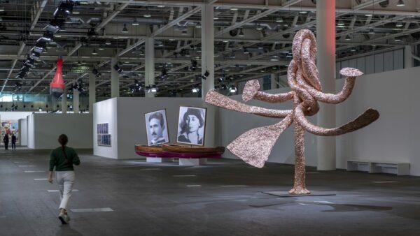 Art Basel 2021 se recarga tras la pandemia y vuelve de manera presencial