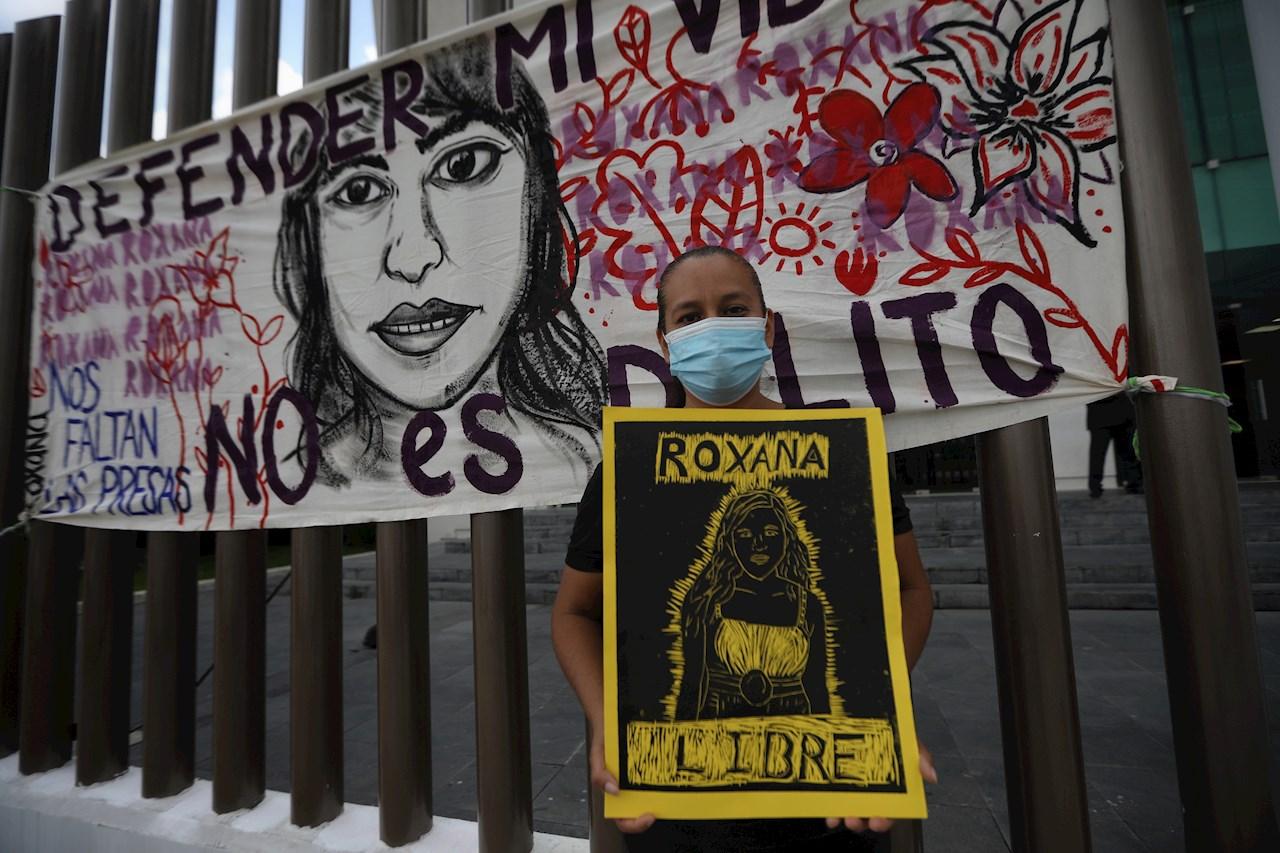 'Se defendió de su agresor, si no estaría muerta': el caso de Roxana Ruiz