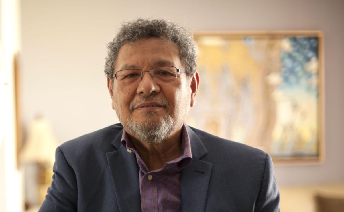 Élmer Mendoza: No se puede apoyar a un lengua larga como AMLO