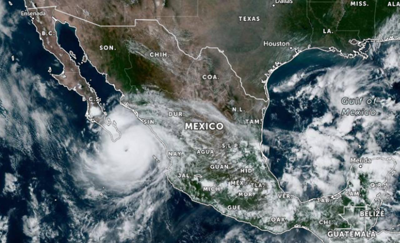 El ojo del huracán 'Olaf' toca tierra en Los Cabos, Baja California Sur: Conagua