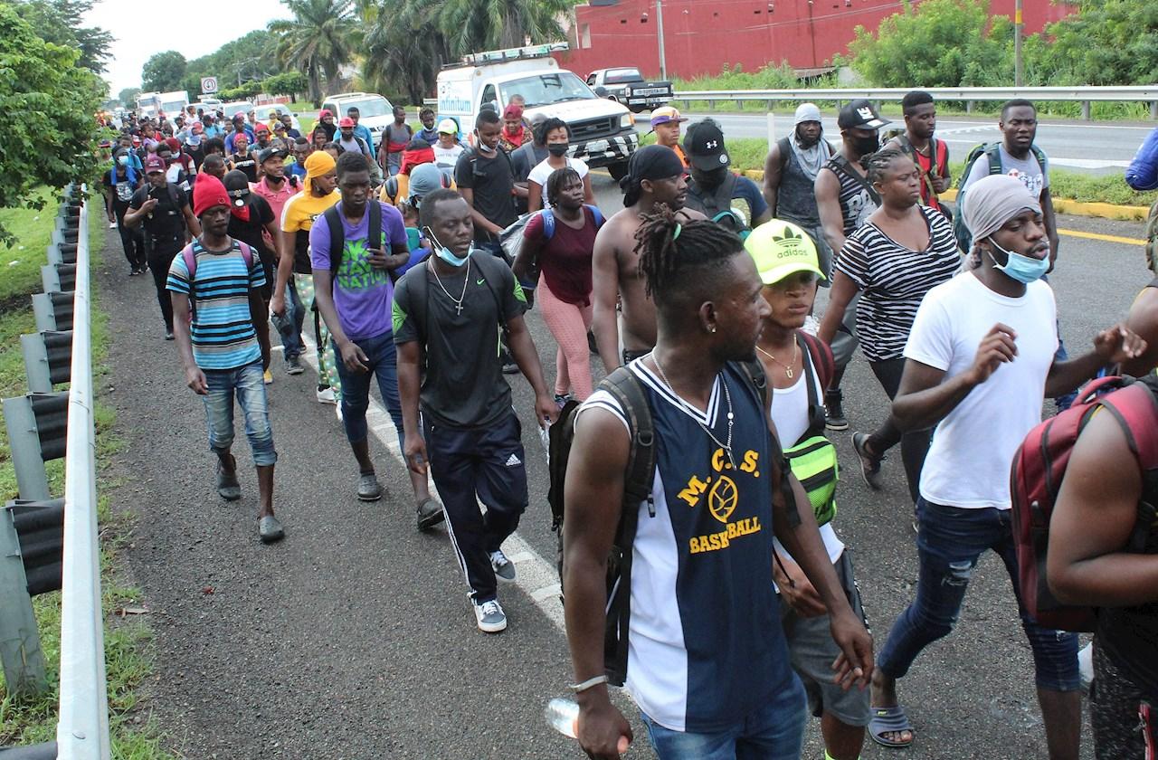 'No más abuso': Migrantes haitianos marchan contra operativos en Chiapas