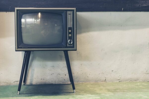 La magia del cine, la radio y la televisión no existe