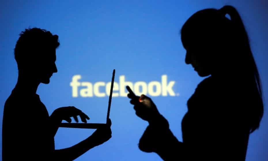 ¿Nuevo logotipo? ¿Llamarse FCBK? ¿Traer de vuelta los 'toques'? Cómo podría Facebook renombrar su marca