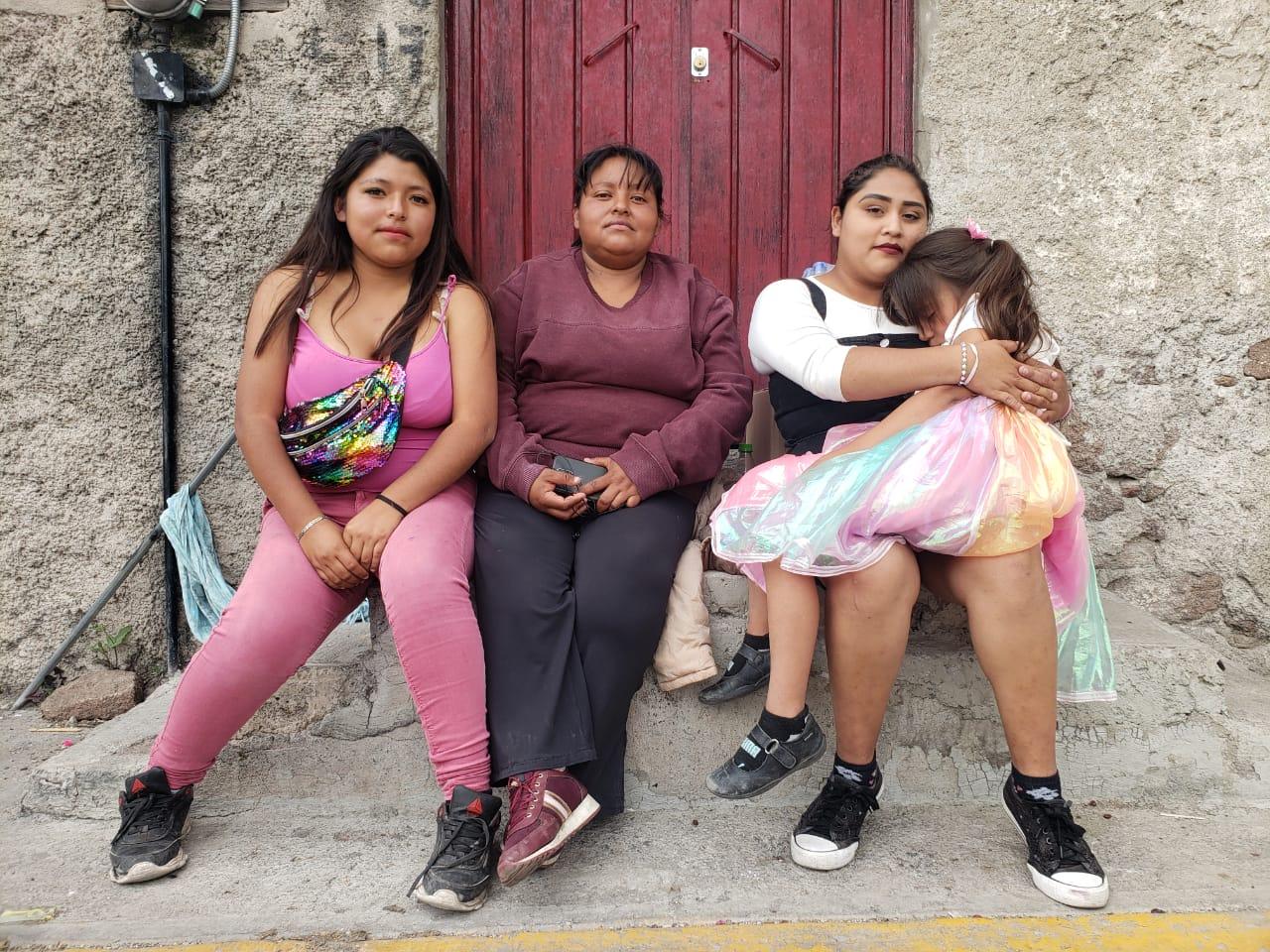 Así subsisten las familias evacuadas del Chiquihuite