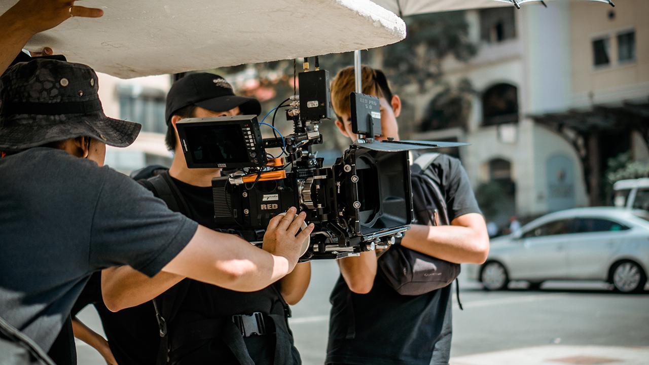 De Alec Baldwin a Brandon Lee: La-Lista de accidentes mortales en rodajes de películas