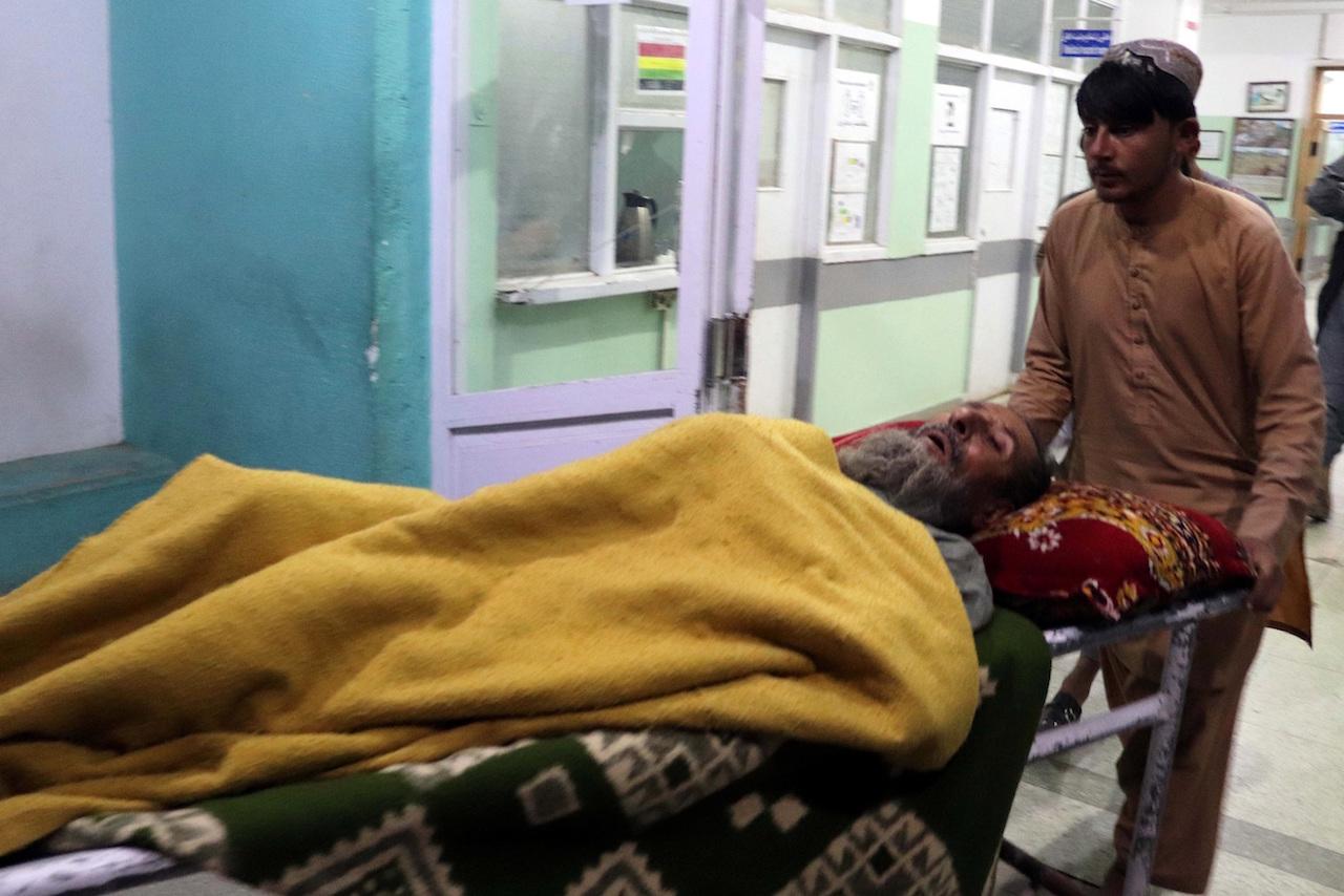 Fallecidos por ataque a mezquita de Afganistan sube a 60
