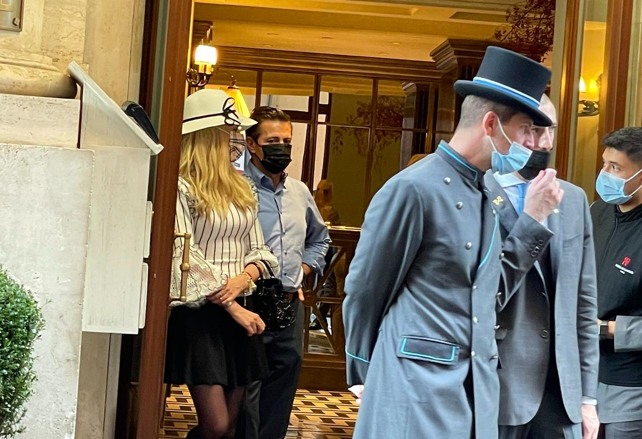 'El ratero ya se va': Peña Nieto es exhibido en video en hotel de lujo en Roma, Italia
