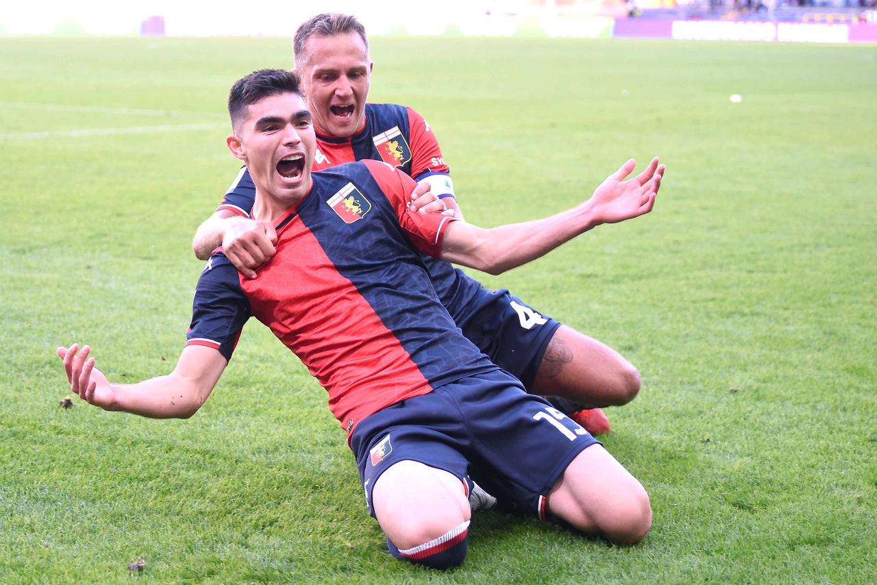¡Pumas te extraña! Johan Vásquez mete gol en su debut con el Genoa