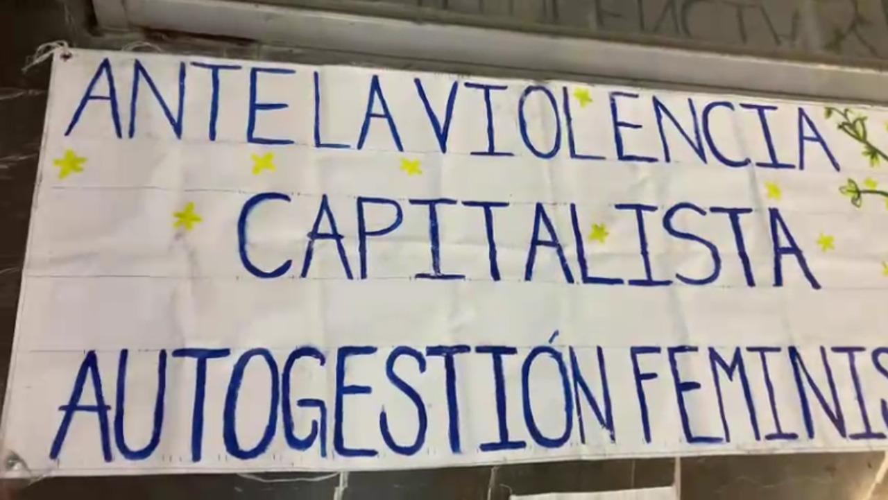 Colectiva instala 'mercado feminista' en el metro Etiopía
